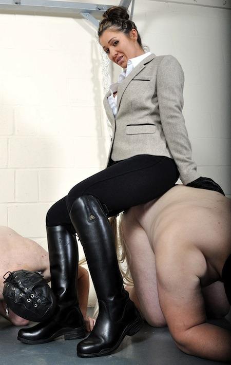 Mistress Anuska On Hogspy