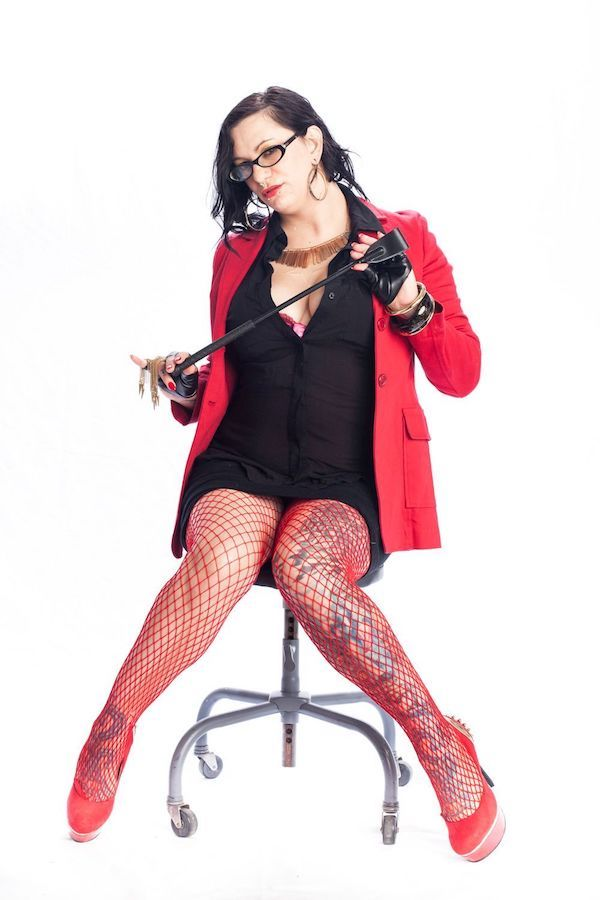 Mistress Bella Vendetta